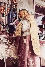 Padre Pio celebra visibile manipolo