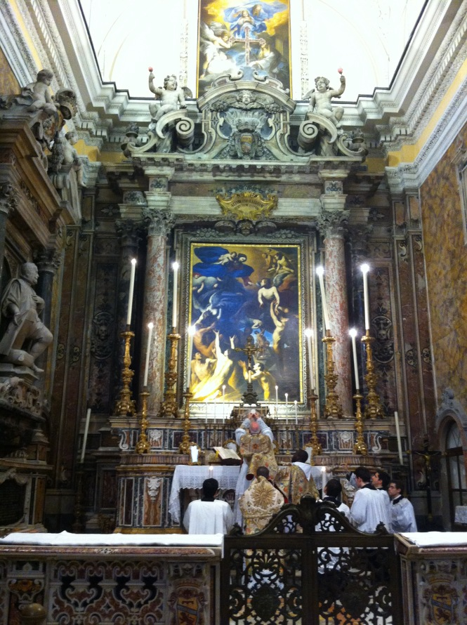 Don Nicola Bux celebra la S. Messa solenne a Napoli, nella Chiesa del Purgatorio ad Arco (maggio 2012)
