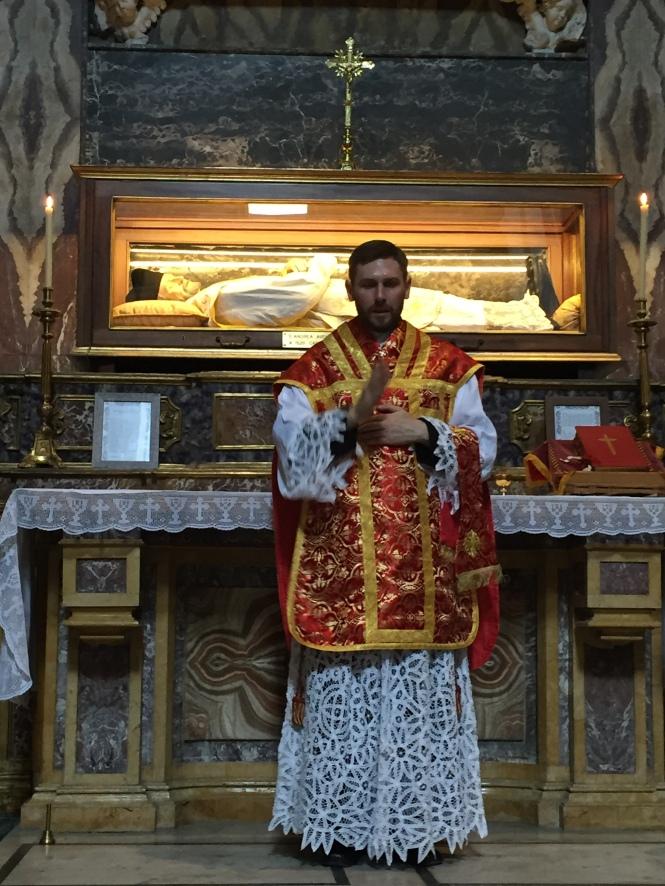 Rito Matrimonio Romano Antico : Napoli domenica luglio prima santa messa in rito